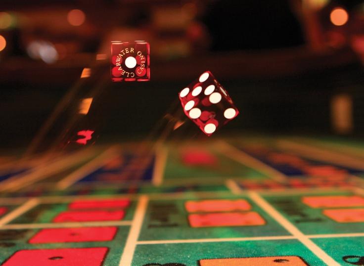 Poker room lighting