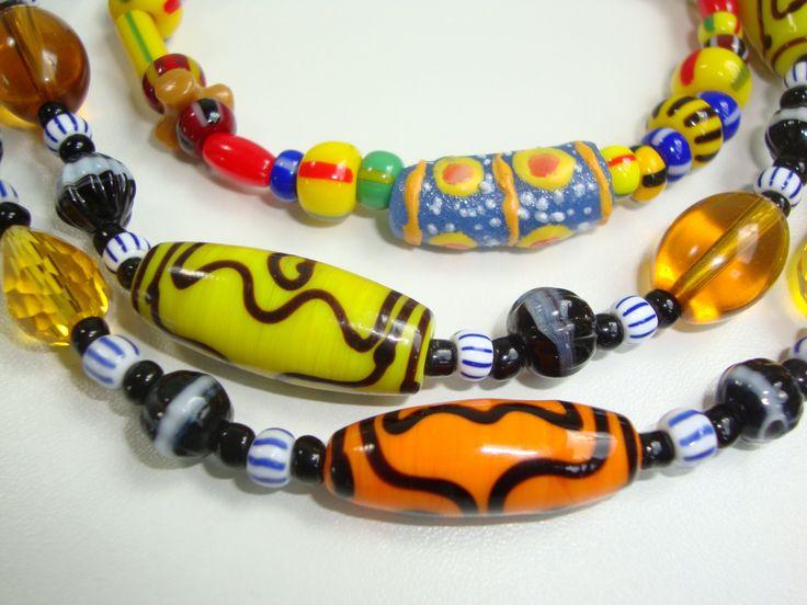 Kleuren! Sieraden! Ghana! Traditionele glazen kralen!