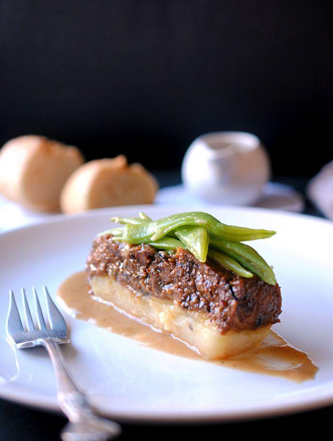 Lingote de rabo de toro y patata en su propio jugo