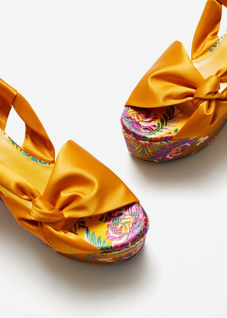 Cuña plataforma bordada - Zapatos de Mujer | MANGO España