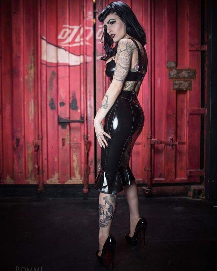 Beauty Girls, Retro Styles, Pin Up, Gothabilly, Psychobilly, Gothic Lolita,  Art Inspo, Berlin, Latex