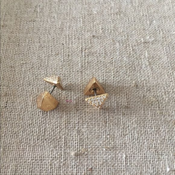 Stella and dot earrings Deja vu double sided studs- gold. Not in original packaging but in perfect condition! Jewelry Earrings