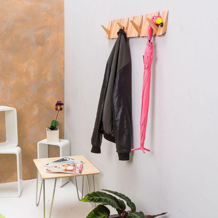Deze Switchboard Kapstok is een ingenieuze en ruimtebesparende oplossing voor kleine halletjes en gangen.