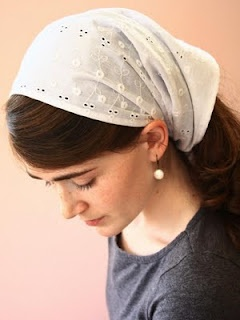 Kate's Room: Christian dressing. Oh I wish I could tie a headscarf like this!