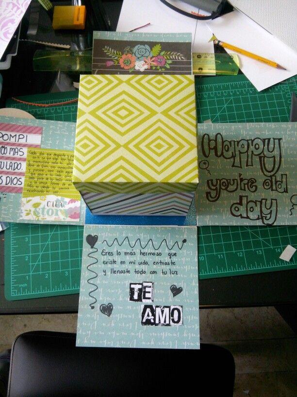 Carta regalo , cajitas pequeñas que al abrir la tapa se abre otra cajita cartita , facil de hacer y es un lindo detalle
