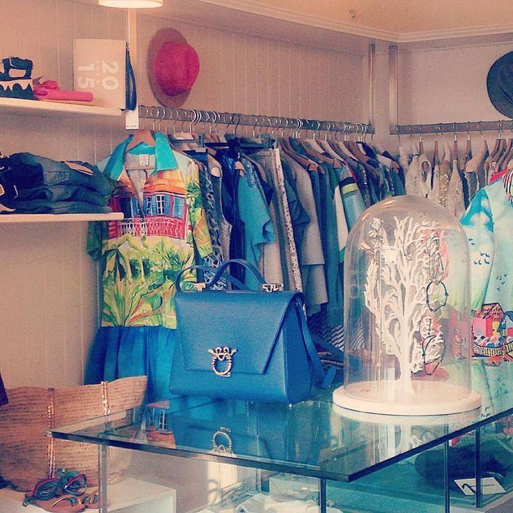 Bque Malibu. #magrì#ladyclare #bag #magrishop #shopping #malibuboutique#savelletri#fasano#puglia #magri_handbags #magri #craftedinflorence #italianstyle #timelesselengance #sophisticated #madeinitaly #italiancraftmanship #italianglamour #luxuryhandbags #handbags #magribag #istglamour #istcool #istluxury #like4like #instbag #magripress #etabetapr #photoofday www.magri.com @magriofficial