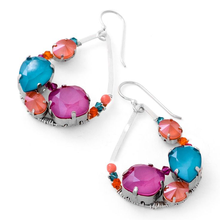 Crystal Wrap Earrings | Fusion Beads | I can't tell you how much I am in love with these earrings! The new stone colors from Swarovski are amazing! Love the peony pink!
