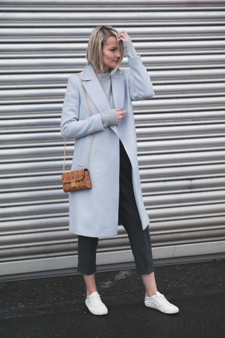 Fashionargument | Modeblog aus Düsseldorf | Streetytyle | Babyblauer Mantel | Zara Sale | Clean Look | Sneakerlover | Fashionblog