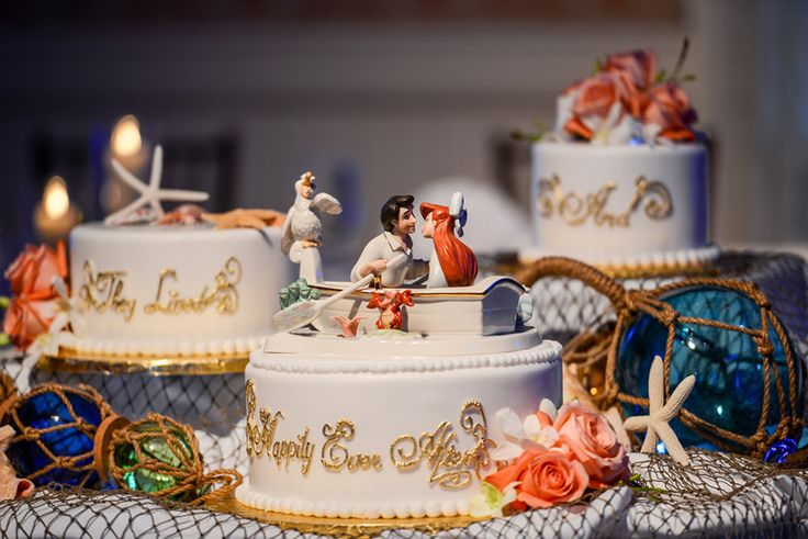 Disney Wedding Cake Wednesday: Kiss The Girl