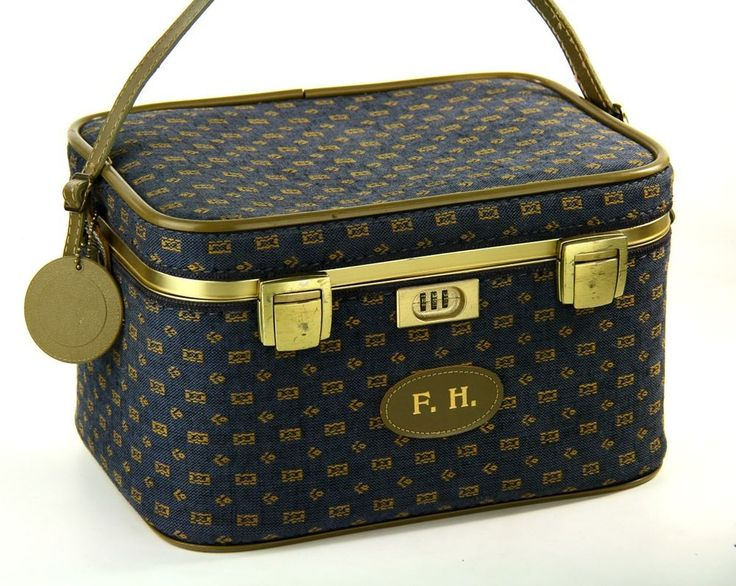 109 best Vintage Luggage images on Pinterest | Vintage luggage ...