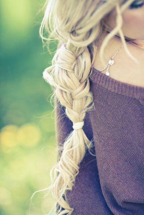 Love the knotty braid & curls!