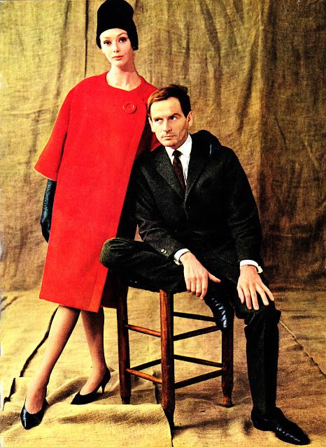 Pierre Cardin portrait, with a model, wearing, on top a coat and down a suit, of the 1960 haute Couture