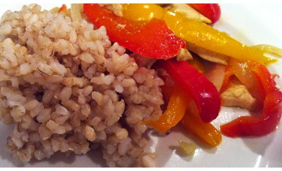 Penny Protein: Protein-Rich Meals For Bodybuilders On A Budget - Chicken And Peppers With Brown Rice - Bodybuilding.com