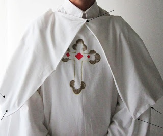 Make a Pope of Rome costume out of a sheet – Upcycle project – Funny Date idea