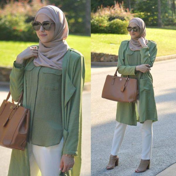 green maxi hijab tunic, Winter hijab street styles by leena Asaad http://www.justtrendygirls.com/winter-hijab-street-styles-by-leena-asaad/