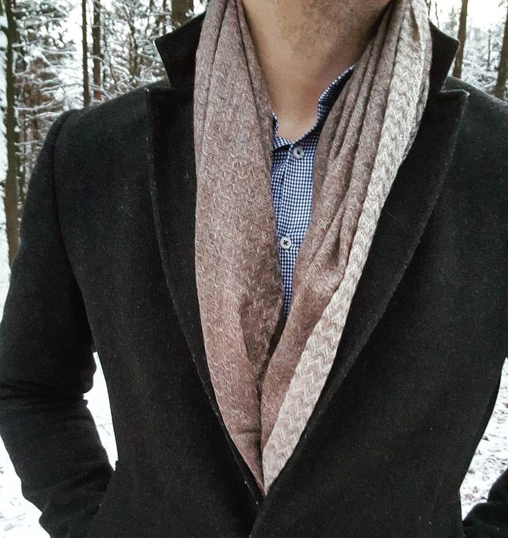 This way to wear a scarf is called Drape. Simply throw it around your neck once and tuck it in your jacket or your coat. Either way, it keeps you warm! #menswear #menwithclass #class #classy #nisantari #accessories #gentleman #men #fashion #luxury #scarf #style #mensfashion #business #winter #cold #cashmere #model #gentslounge #lookbook #dailystyle #dailyfashion #gq #dapper #instafashion #fashionista #germany #quality #fox #boss