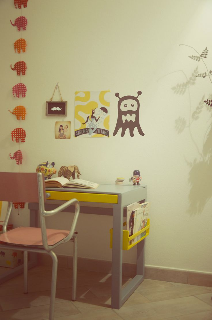 handmade by us (desk for My little Mia)