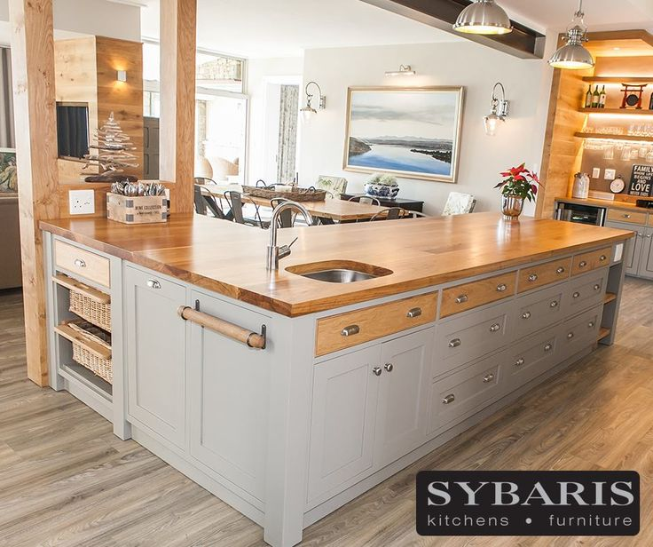Finishing touches such as handles and interior fittings are chosen with great care in order to complete your dream kitchen look. Contact our showroom on 044 382 2866 for more information. #Sybaris #Kitchen #Lifestyle #Design