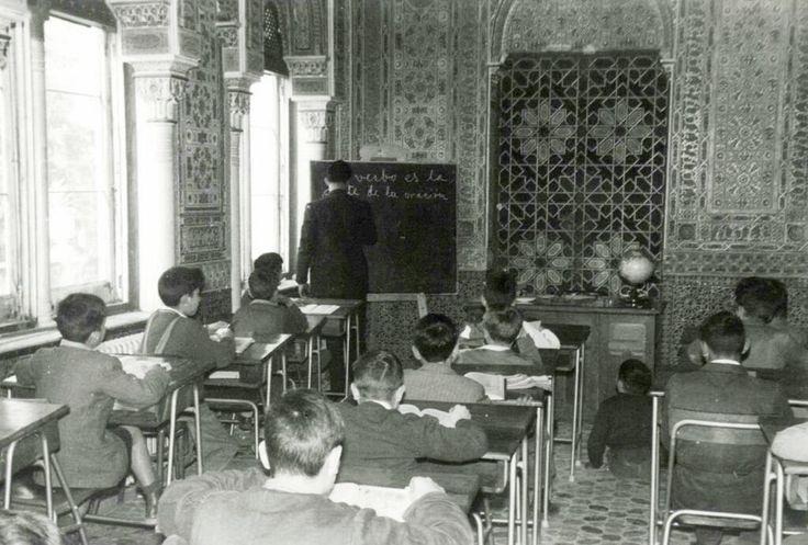 .@Andrea McIntyre @Bea_triz_76 @CimaJavi @SecretosdeMadri  Así es. Esta misma sala fue colegio antes de su estado actual pic.twitter.com/Mp8D46TjTZ
