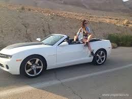 девушка на кабриолете фото