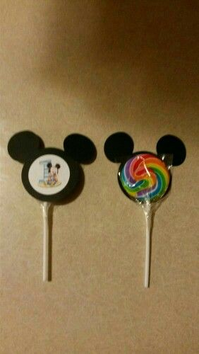 Paleta Mickey                                                                                                                                                                                 More