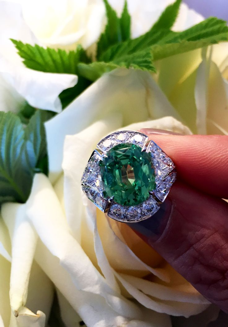 Louis Vuitton tourmaline and diamonds one of a kind Conquêtes ring. The central 7.76 carat tourmaline is from Mozambique.