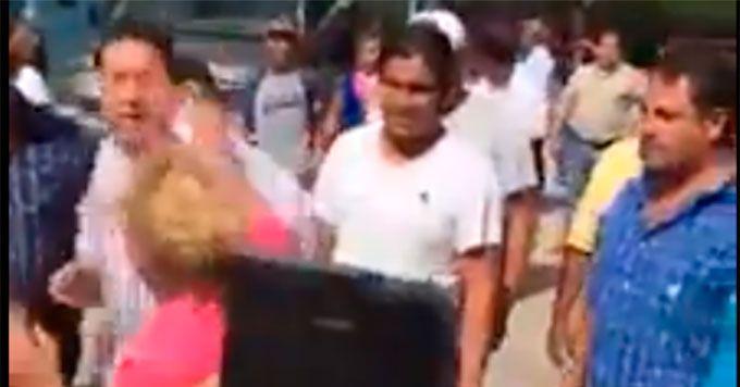 #Diputado del #PRD golpea a #mujer militante en #Tamaulipas Mas información: http://goo.gl/OiOUUS