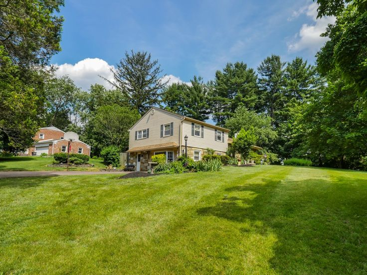 Beautiful landscaped 3 BED+ in Blue Ribbon Lower Moreland School District, huge deck! 3505 Post Road Huntingdon Valley PA 19006 Call Maggie Coe 267-994-0647 http://www.reveeo.com/tour/17640/video/branded/3505_post_road_huntingdon_valley_19006_pa.html