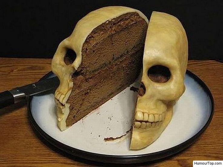 Horrible gâteau d'anniversaire qui fait peur