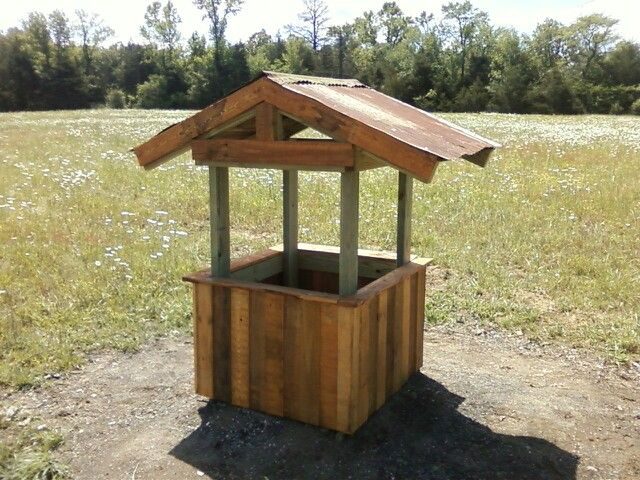 Wishing Well Made From Pallets And Treated 2x4 S Pallet