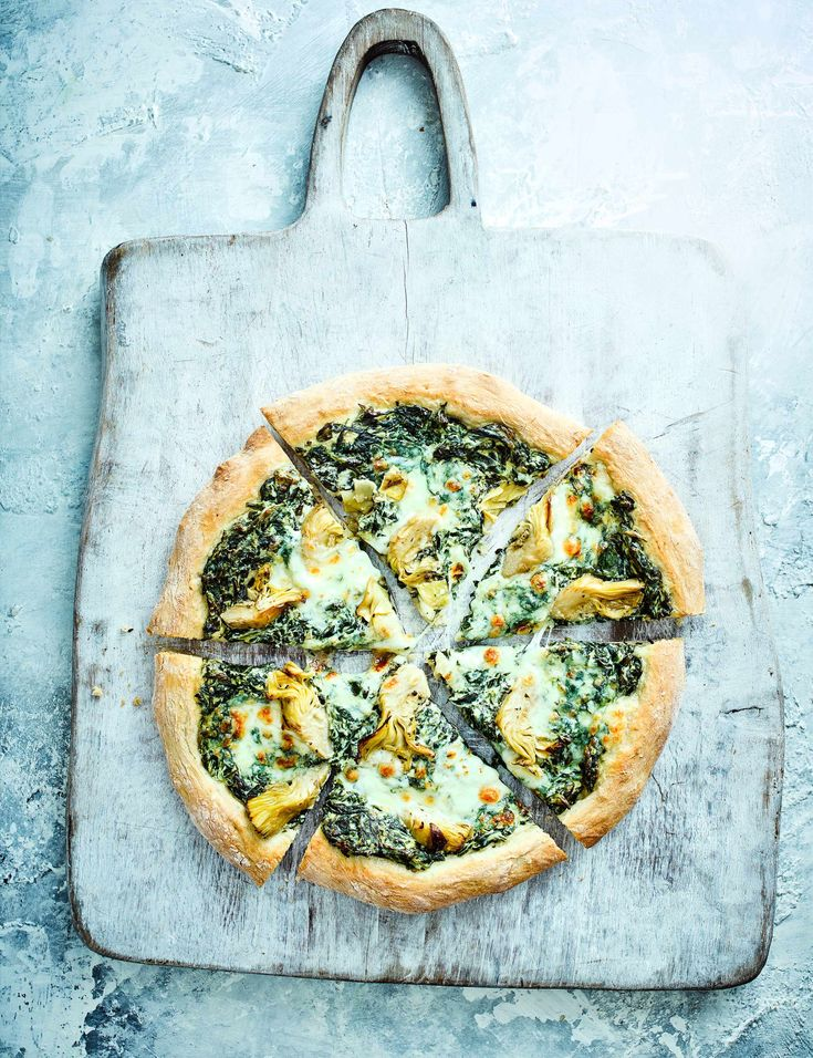 Spinach Artichoke Pizza Recipe Check out our pizza recipe with a creamy artichoke and spinach topping. Serve this easy homemade pizza with a hearty salad for a simple midweek meal for four