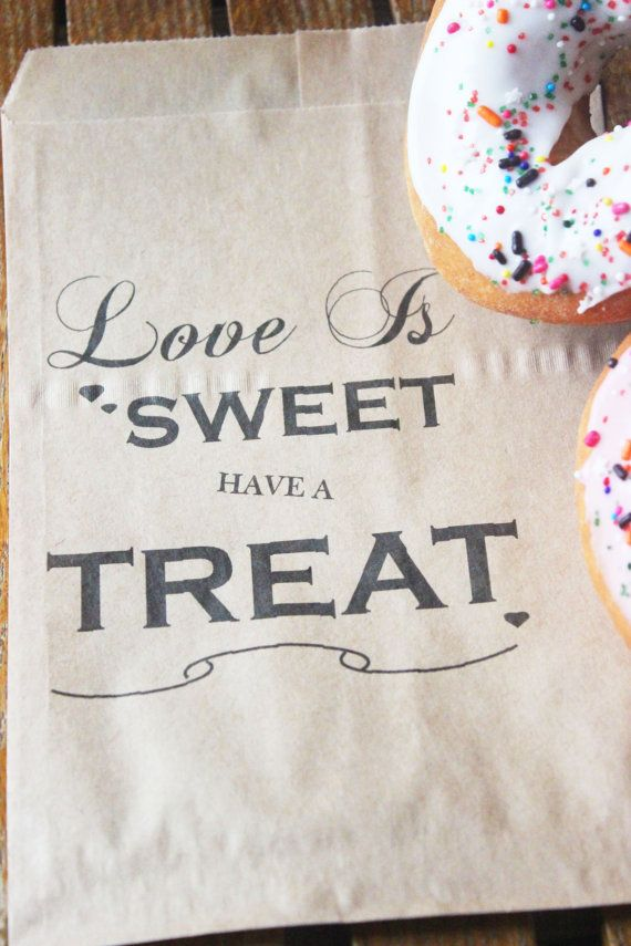 Kraft Favor Bags, Wedding Favors, Favor Bags, Thank you, Love is Sweet, Candy Bags, Birthdays, Birthday parties,