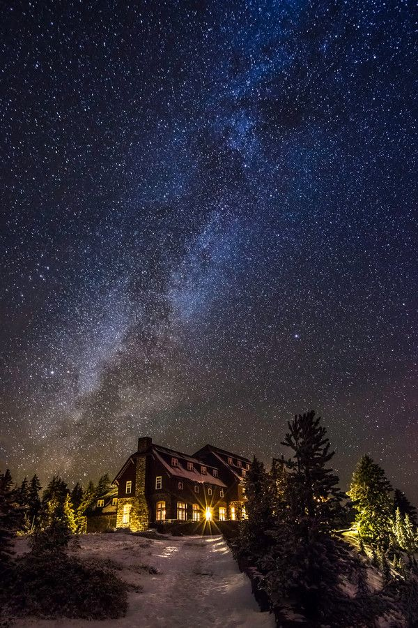 Stars Over Crater Lake Lodge, Oregon USA by Marcelo Castro Website || Facebook || Google+