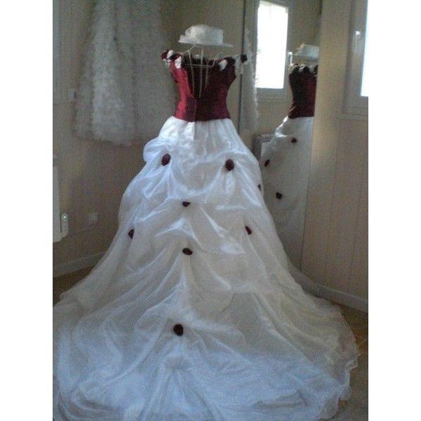 Robe de mariee bustier blanc et bordeau