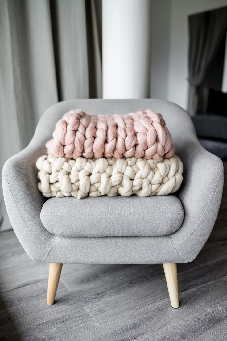 Chunky Knit Blankets are Perfect Home Decors! #Chunky #chunkyknits #etsy #EtsySellers #loveit #homedecor #hygge #scandistyle