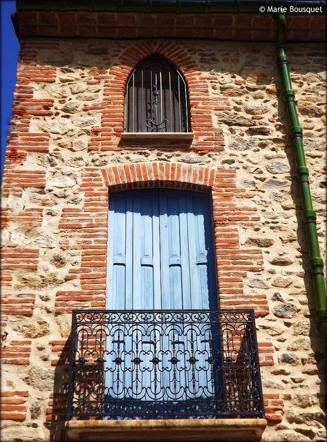 Balcon et petite fenêtre avec fer forgé by bleumarie, via Flickr -- Laroque-des-Albères, Languedoc-Roussillon