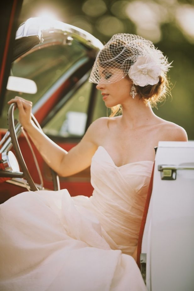 Vintage Glam Wedding Ideas | See More: http://thebridaldetective.com/vintage-glam-wedding-ideas-mike-colon-photographers/