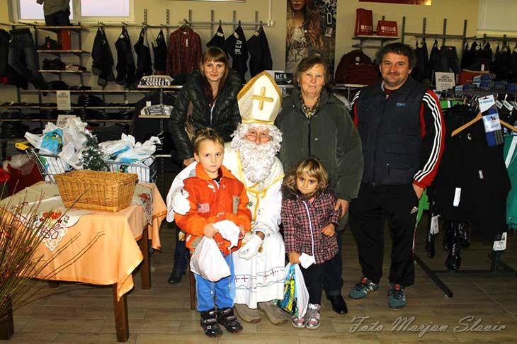 Sv. Miklavž je pričakoval otroke v Radencih