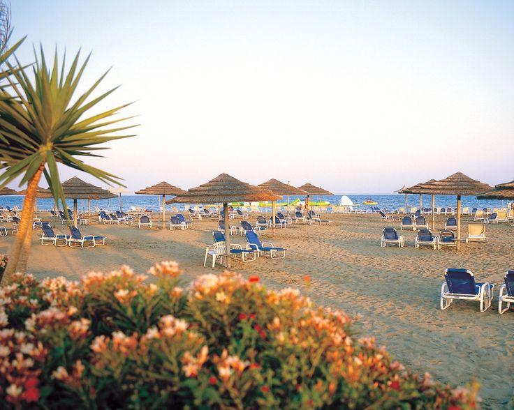 Hotel St. Raphael Resort, dovolena a zájazdy do hotela Limassol - INVIA.SK