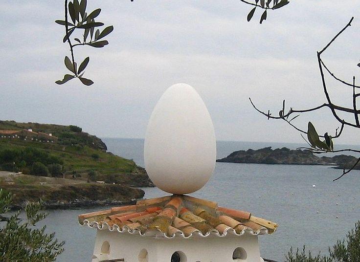 oeuf sur le toit Dali : la maison musée de Gala & Salvador à Portlligat