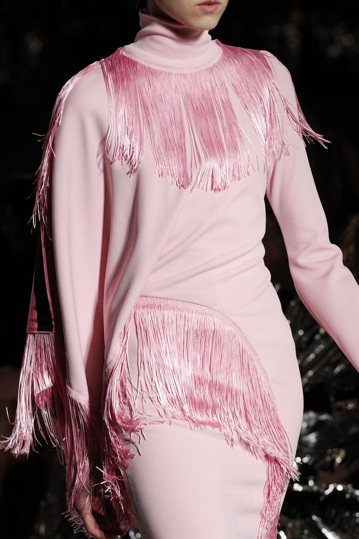 See detail photos for Givenchy Spring 2017 Ready-to-Wear collection.