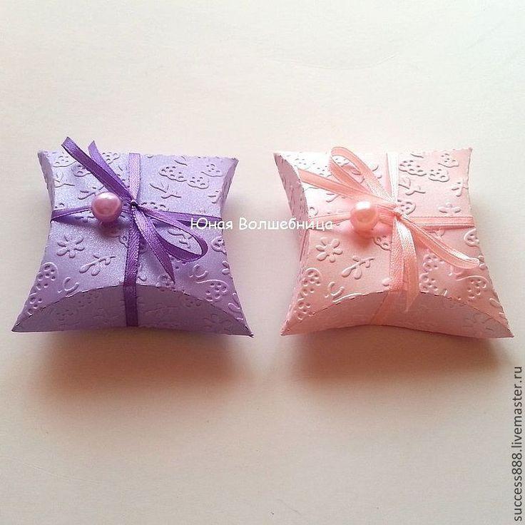 """Купить Бонбоньерки с тиснением """"Бабочки"""" - оригинальная упаковка - фиолетовый, сиреневый, розовый, бабочки, бабочка, бонбоньерка"""