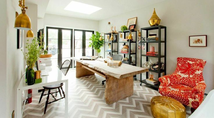 Office/ Dining room combination by HGTV designer Genevieve Garder. I love the small desk placement in this room.