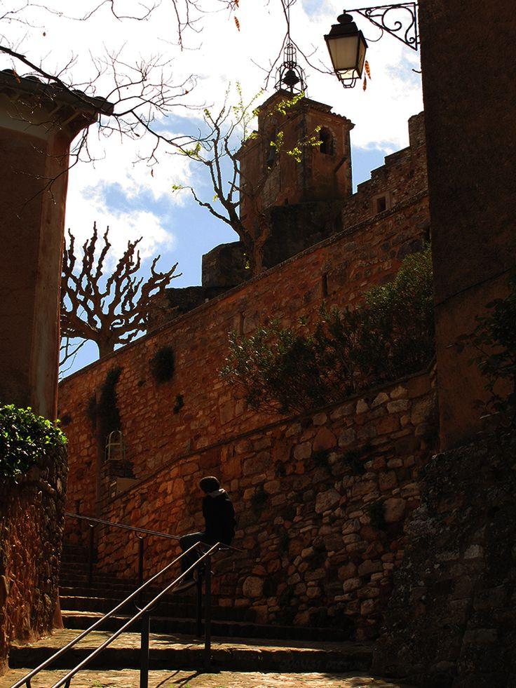Montée au village de #Roussillon - Ocre - Climb to the village - Ocher #Luberon #provence