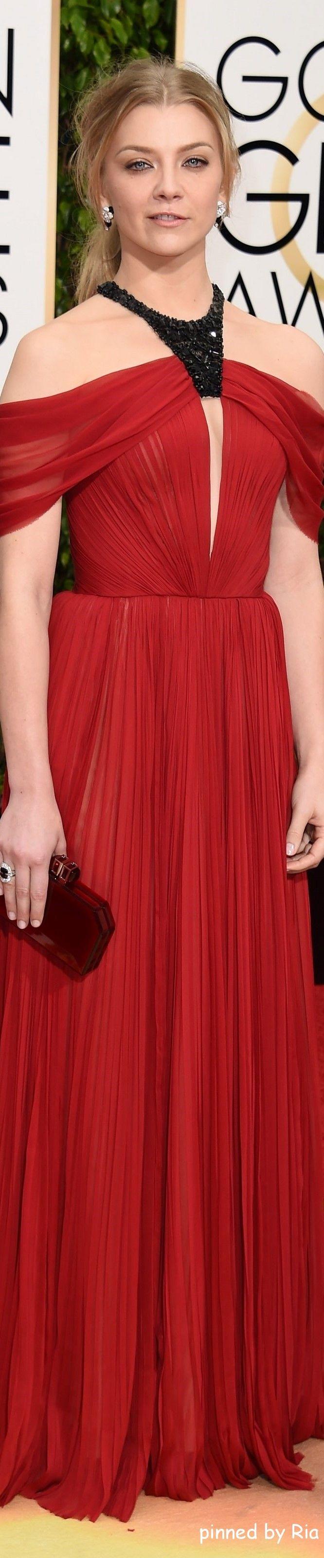 Natalie Domer in J Mendel l Golden Globe Awards 2016 l Ria