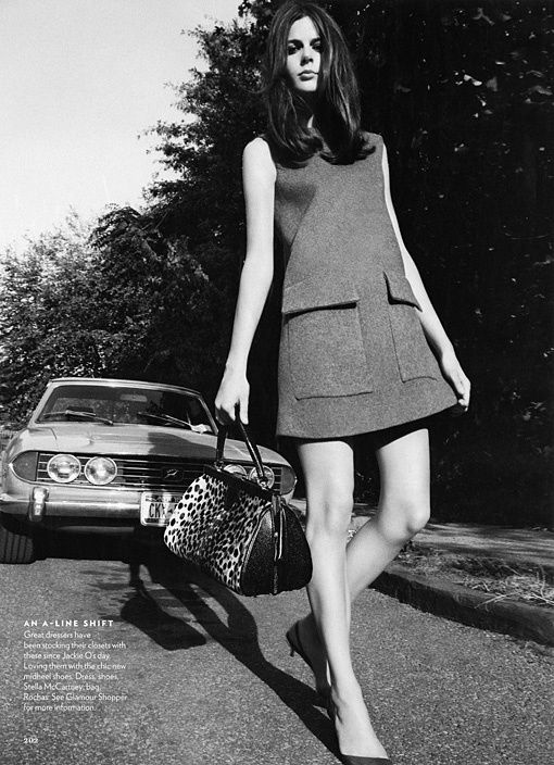 Pretty sixties style in an A-line shift