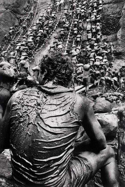 © Sebastião Salgado - The gold mine of Serra Pelada Brazil. 1986
