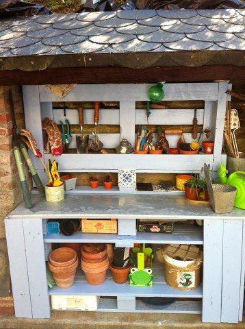 rangement de jardinage avec palette