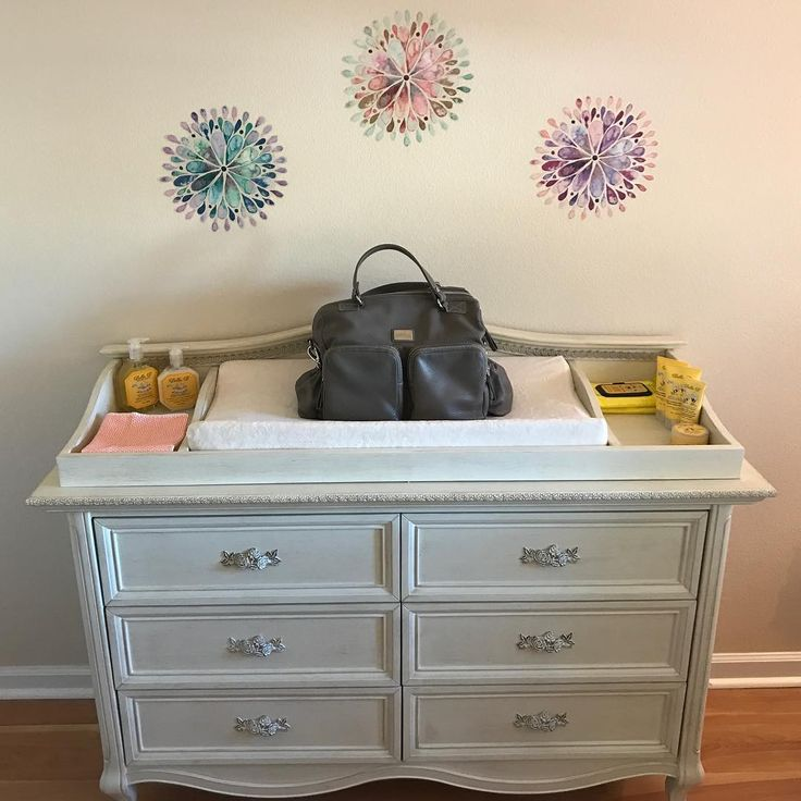 The nursery is set and the only thing that's missing is the baby! Oliva Moda bags are perfect as a designer diaper bag for when the time comes. With roomy compartments and space for all the essentials, Oliva Moda bags are for baby and beyond.