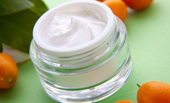 Crema per il viso fai da te al tè verde aromatizzata agli agrumi | I sempreverdi